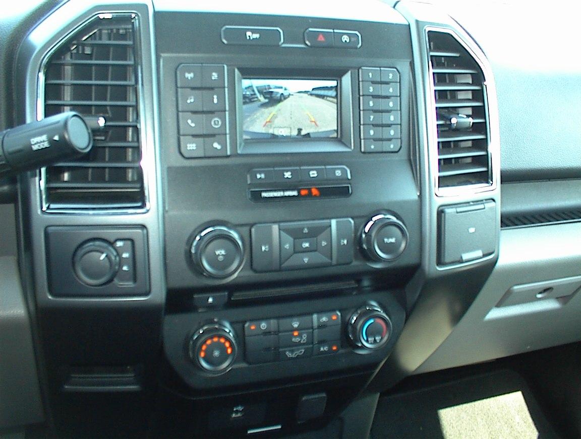 2018 FORD F150 CREW CAB XLT 4X4 (2061)