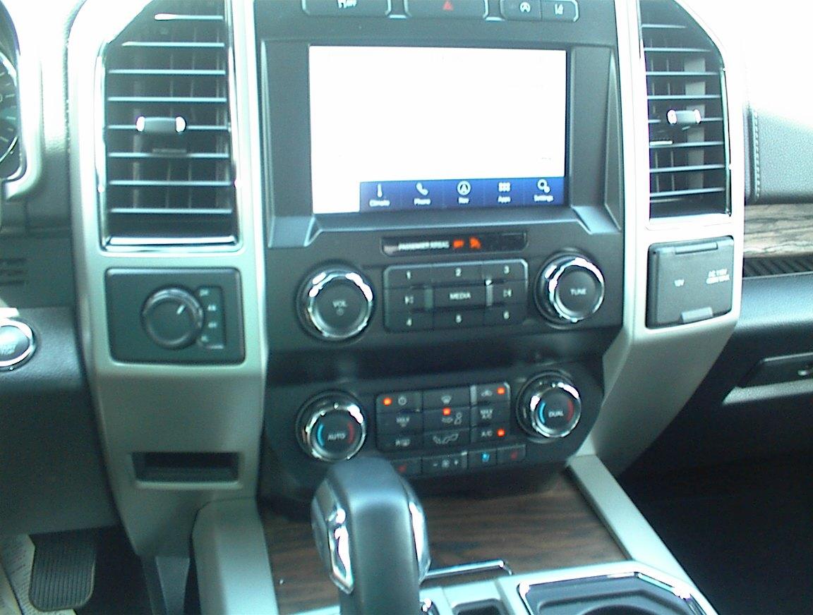 2020 FORD F150 CREW CAB LARIAT 4X4 (2154)
