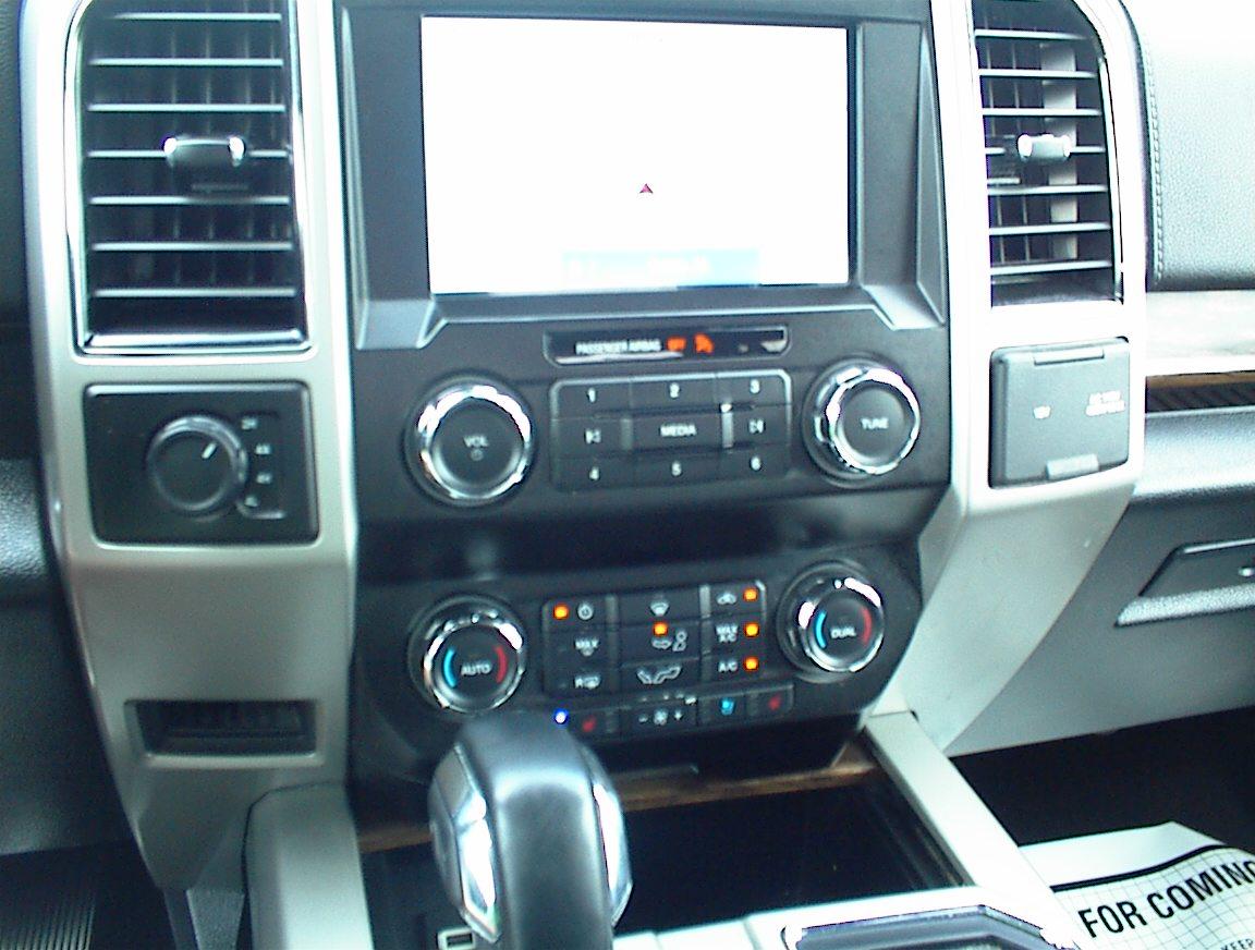 2020 FORD F150 CREW CAB LARIAT 4X4  (2163)