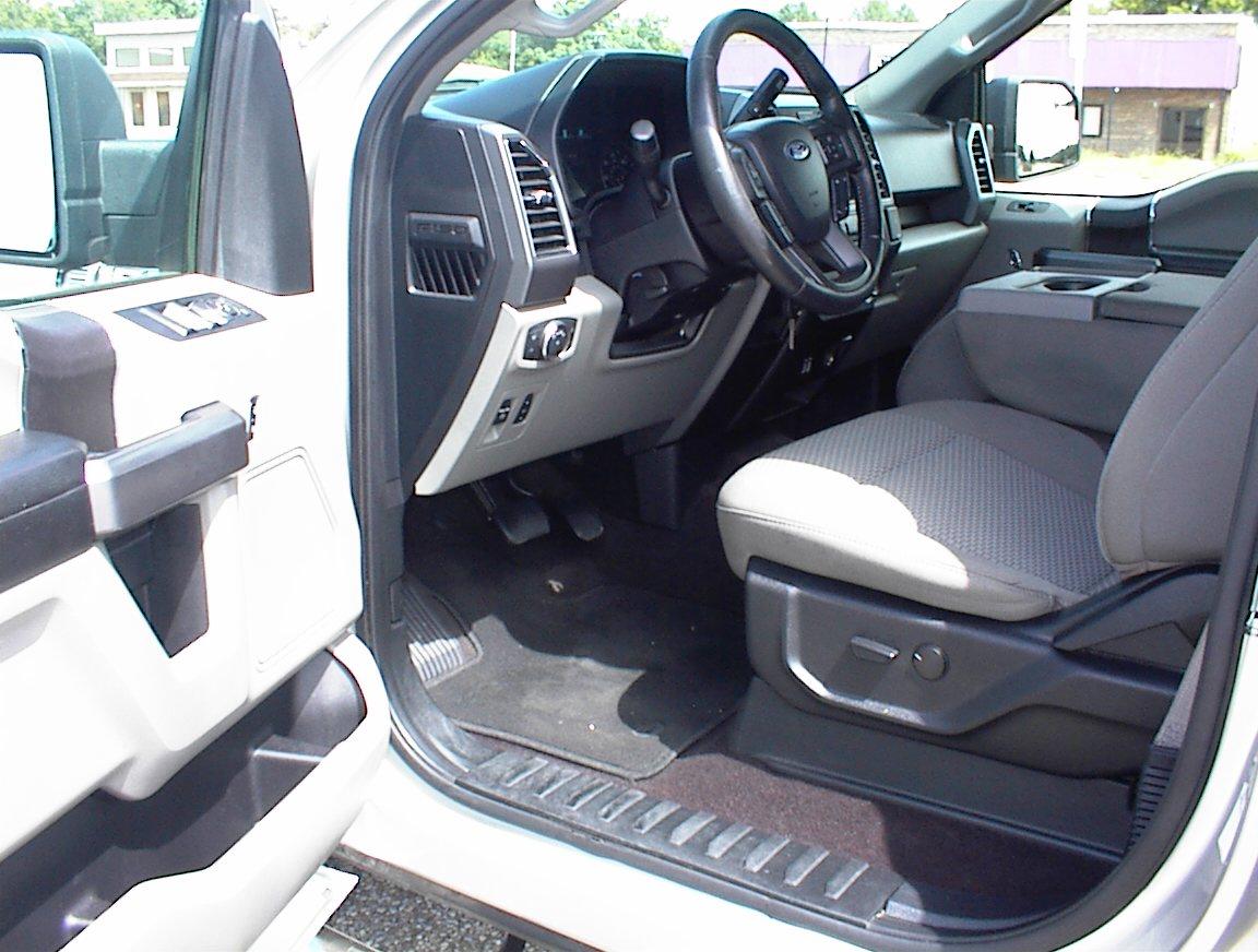 2019 FORD F150 CREW CAB XLT 4X4 (2165)