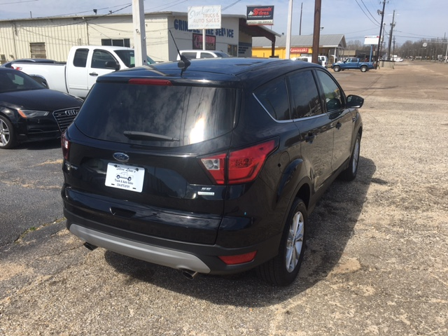 2019 FORD ESCAPE SE (2211)